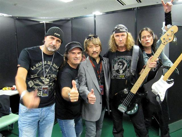 Krokus with Promoter Creativeman backstage