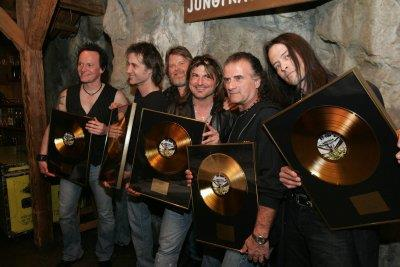 golden moment with band & peter